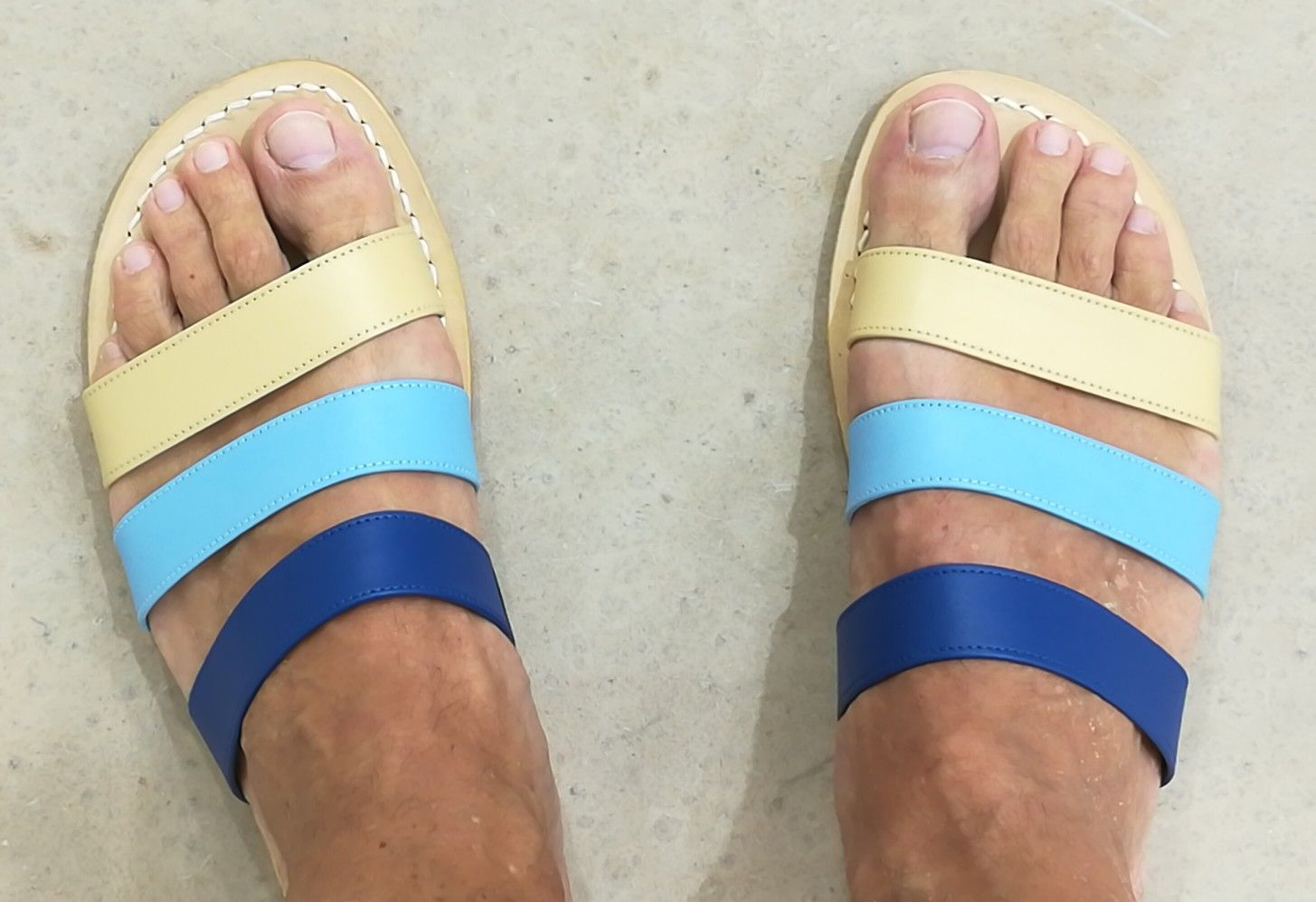 Handcrafted sandals tricolor for man.  Dea Sandals Capri Shop at www.deasandals.com #capri #sandals #handcrafted #fashion #style #outfit #moda #sandalsman #man #leather #custom #deasandals #deacapri
