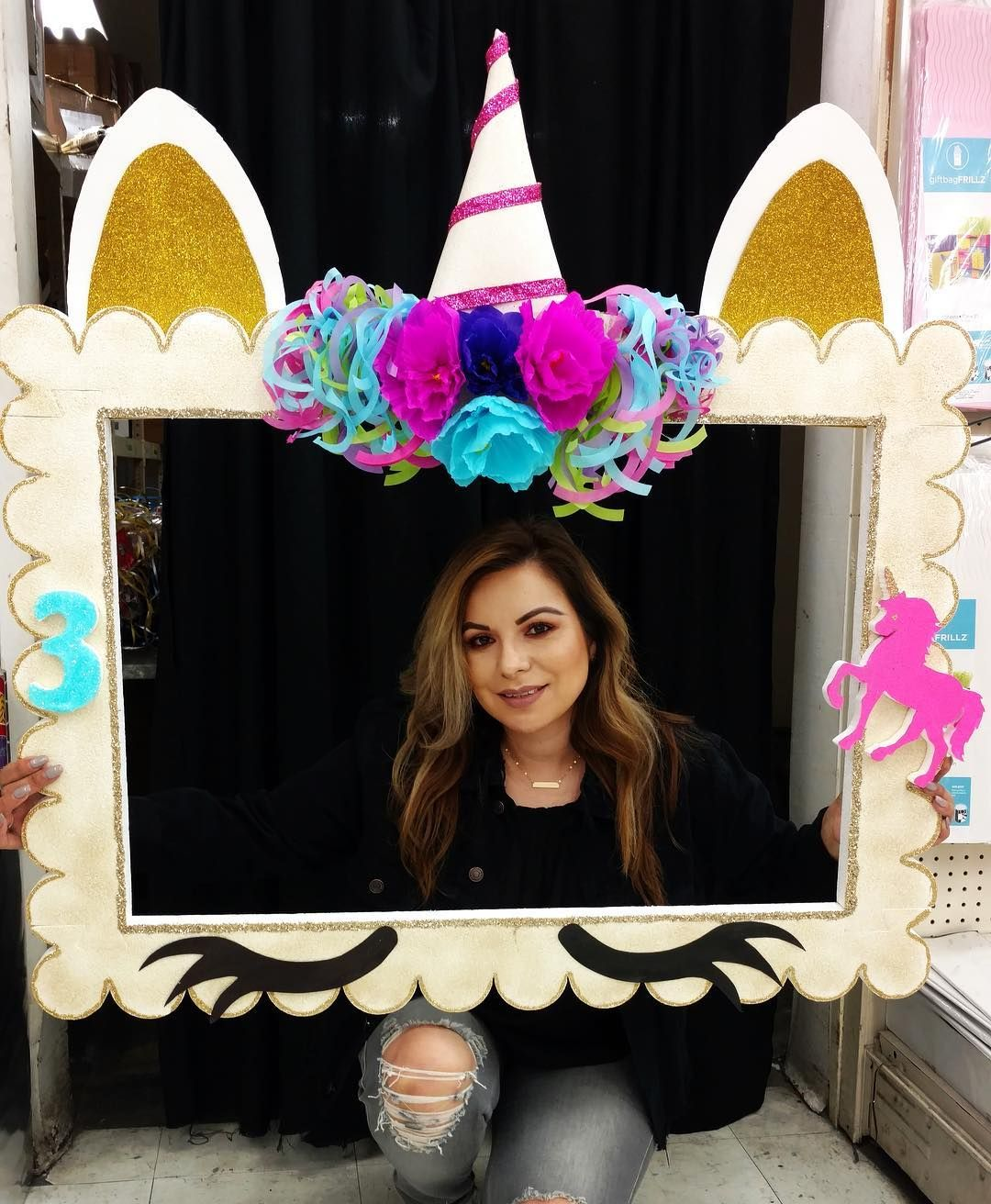 Make your own unicorn selfie frame with our Styrofoam