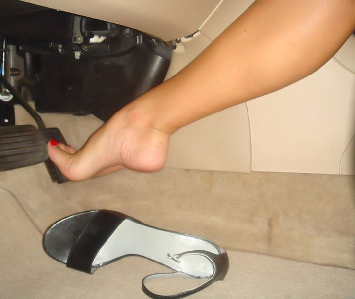 Amo foot fetish toe and heel fucking hot !!!