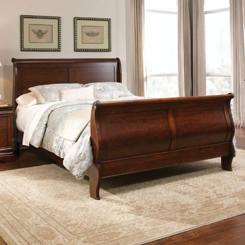 Carriage Court Sleigh Bed Mahogany Sleigh Beds At Hayneedle