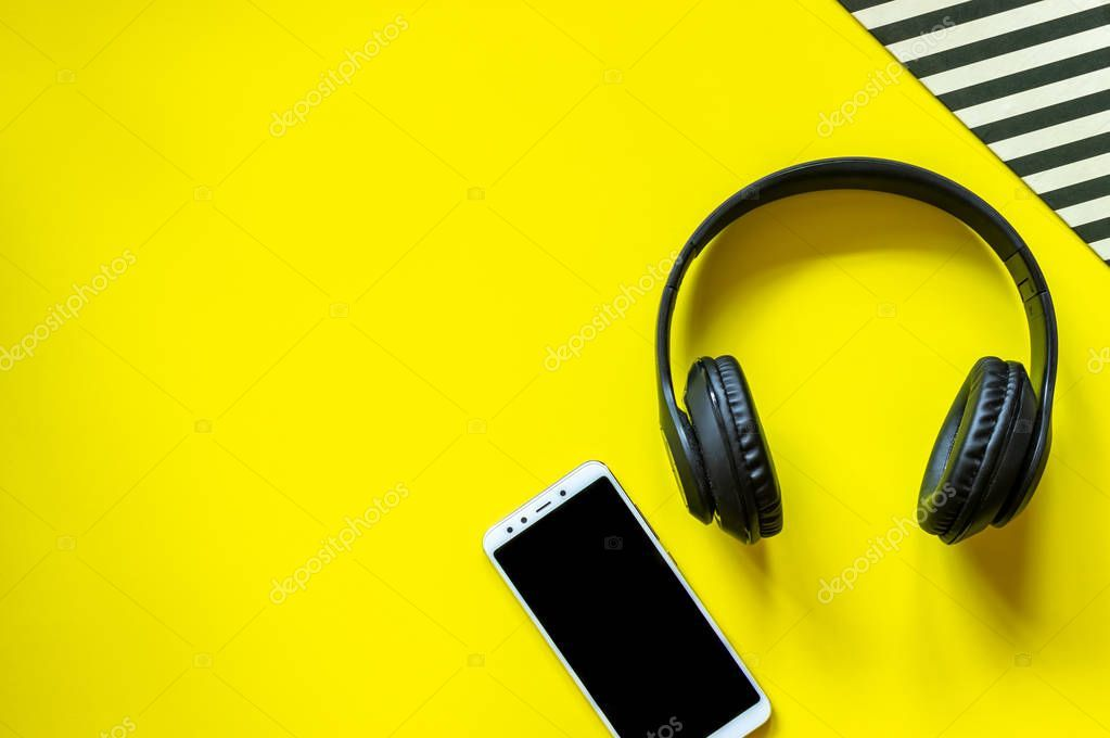 Black Headphones And A Phone On A Yellow Background Minimal Concept Design Fl Sponsored Phone Yellow Black Headphones Headphones Yellow Background