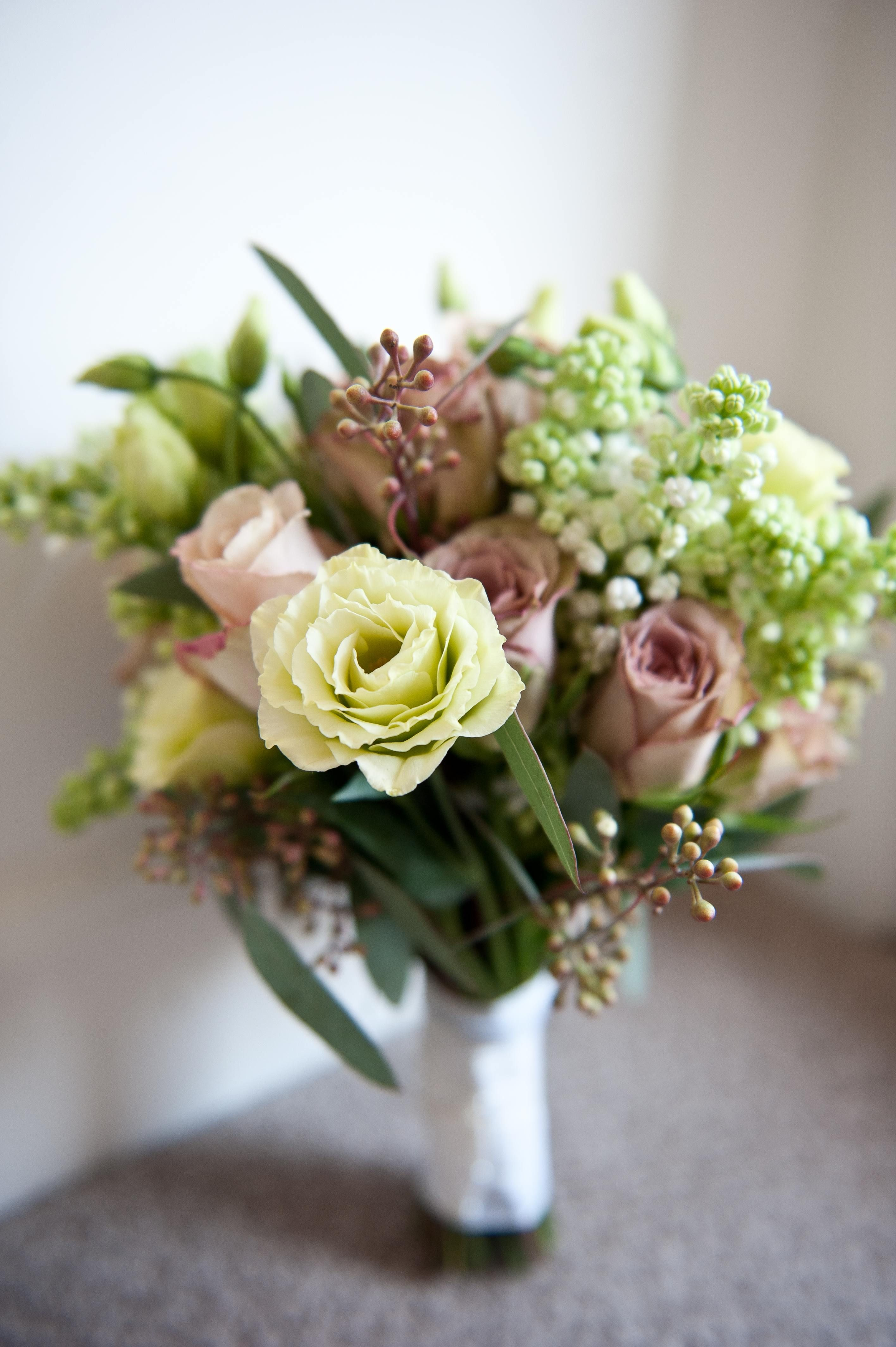Beautiful Ideas For Vintage Style Wedding Flowers