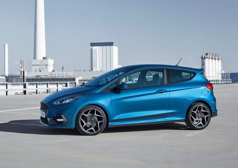 Ford Fiesta St 2018 At The Geneva Motor Show Specs Carros
