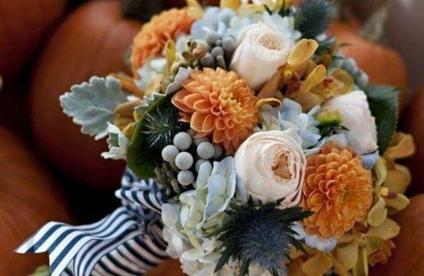 herbstblumen balkon blumen im herbst k rbisse vasen thanksgiving and fall deco pinterest. Black Bedroom Furniture Sets. Home Design Ideas