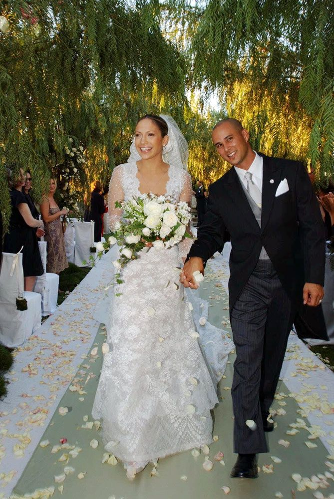 Jennifer Lopez Wearing Vera Weeding Dress