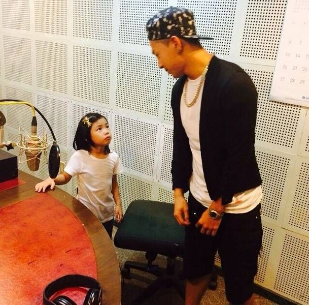 Taeyang shows his undying love for Haru in new Instagram posts | http://www.allkpop.com/article/2014/07/taeyang-shows-his-undying-love-for-haru-in-new-instagram-posts