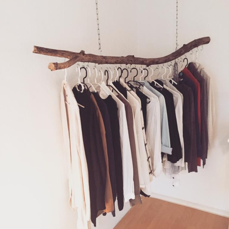 frei h ngende kleiderstange als sch ne und einfache diy. Black Bedroom Furniture Sets. Home Design Ideas