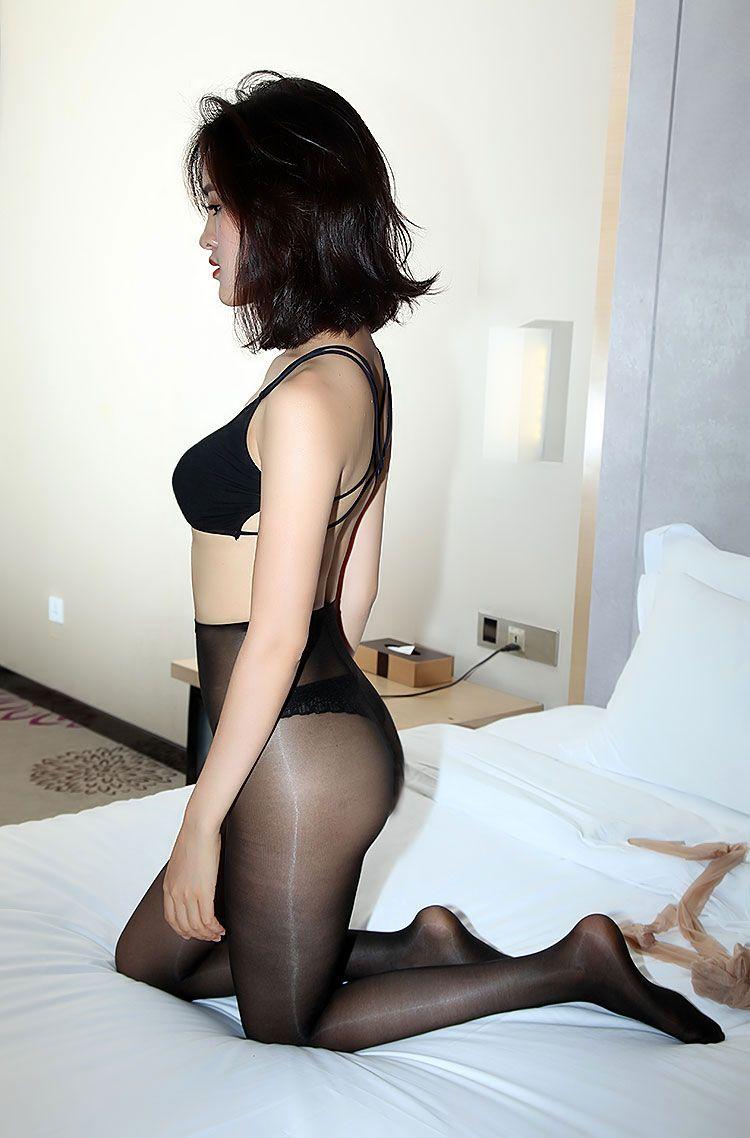 1f484b18e30 ElsaYX Women Ultra Thin Shiny Nylon Pantyhose Tights