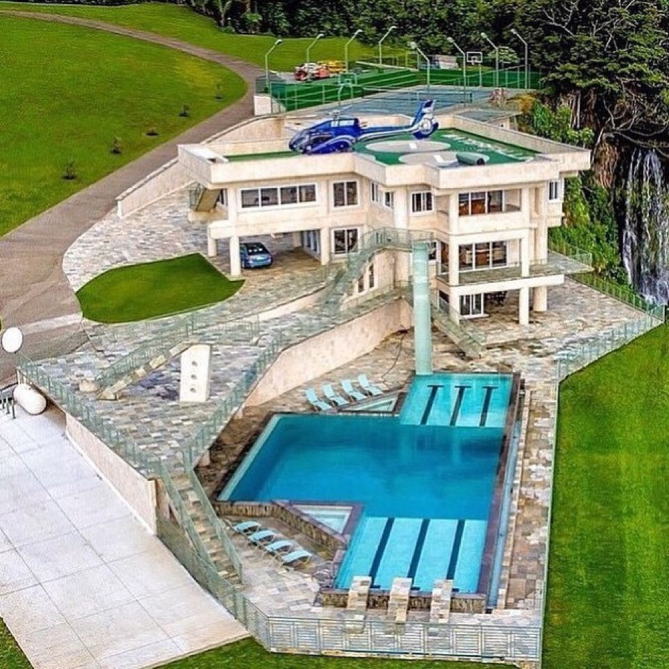 Mansion Houses With Pools: Comment What Accessories Like A Pool Tennis Court And