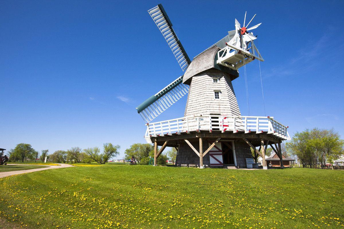 13 Canadian Alternatives To Big City Tourism