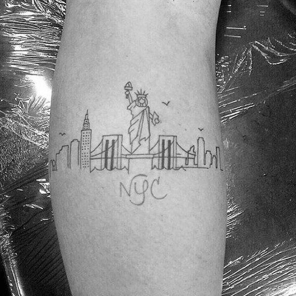 Photo of 60 conceptions de tatouage d'horizon de New York pour les hommes – Idées d'encre Big Apple – Style homme | tatouage