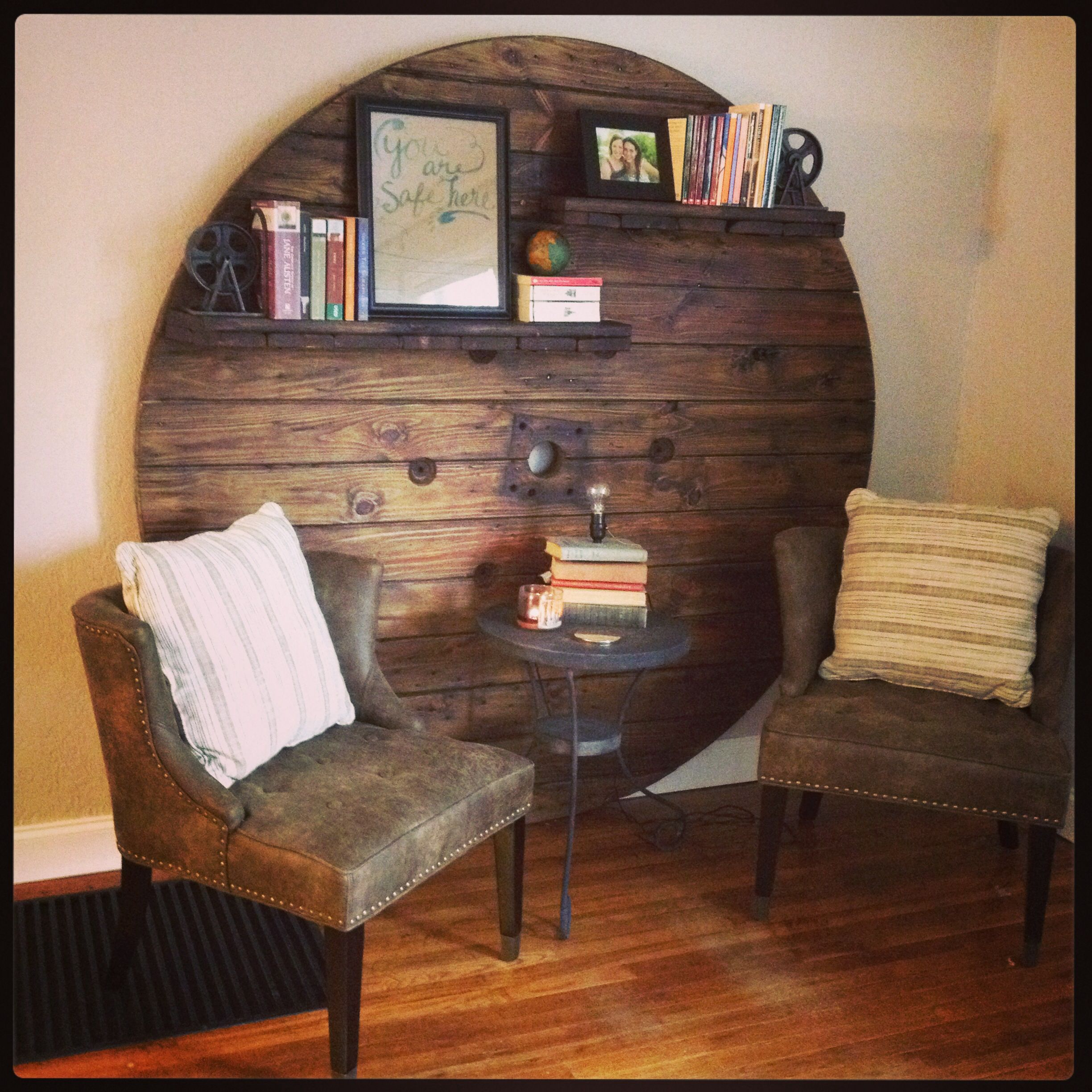 Wooden cable spool turned into wall art/bookshelf | DIY ...