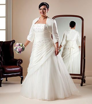 Dress Style Sundew From The Beautiful Brides Plus Size Collection By Special Day Find This Pin And More On Full Figured Women