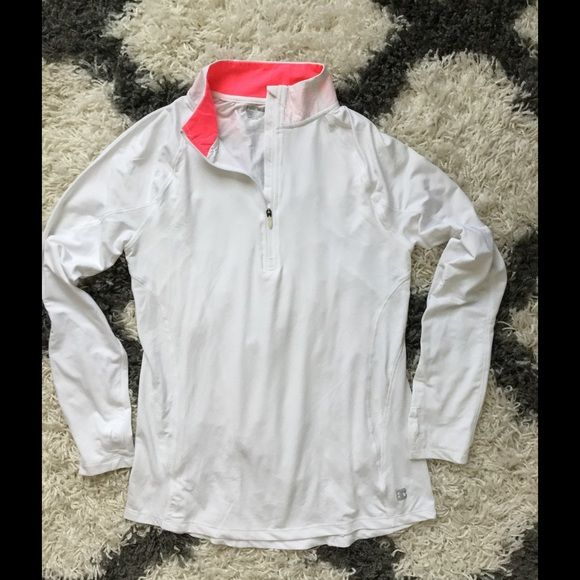 Hind long sleeve running pullover Hind long sleeve running pullover, size M. Worn once, 94% polyester, 6% spandex Hind Tops