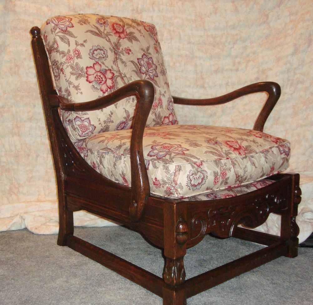 Jamestown lounge company feudal oak antique chair with cushions - Jamestown Lounge Company Feudal Oak Antique Chair With Cushions