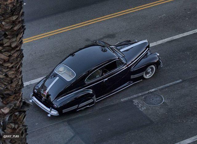 1941 Pontiac Streamliner 'Torpedo' Sedan Coupe #pontiac #41pontiac #41streamliner #streamliner #sedan #lowriderbombs #ranflas #califas #californiasoul