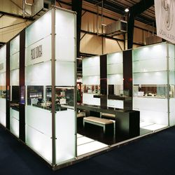 Project: Trade feair appearance Paolo Bongia, Jewellery Fair Beirut 2002 Design: spaceexhibitarchitecture, Beirut System: constructiv PILA Petite