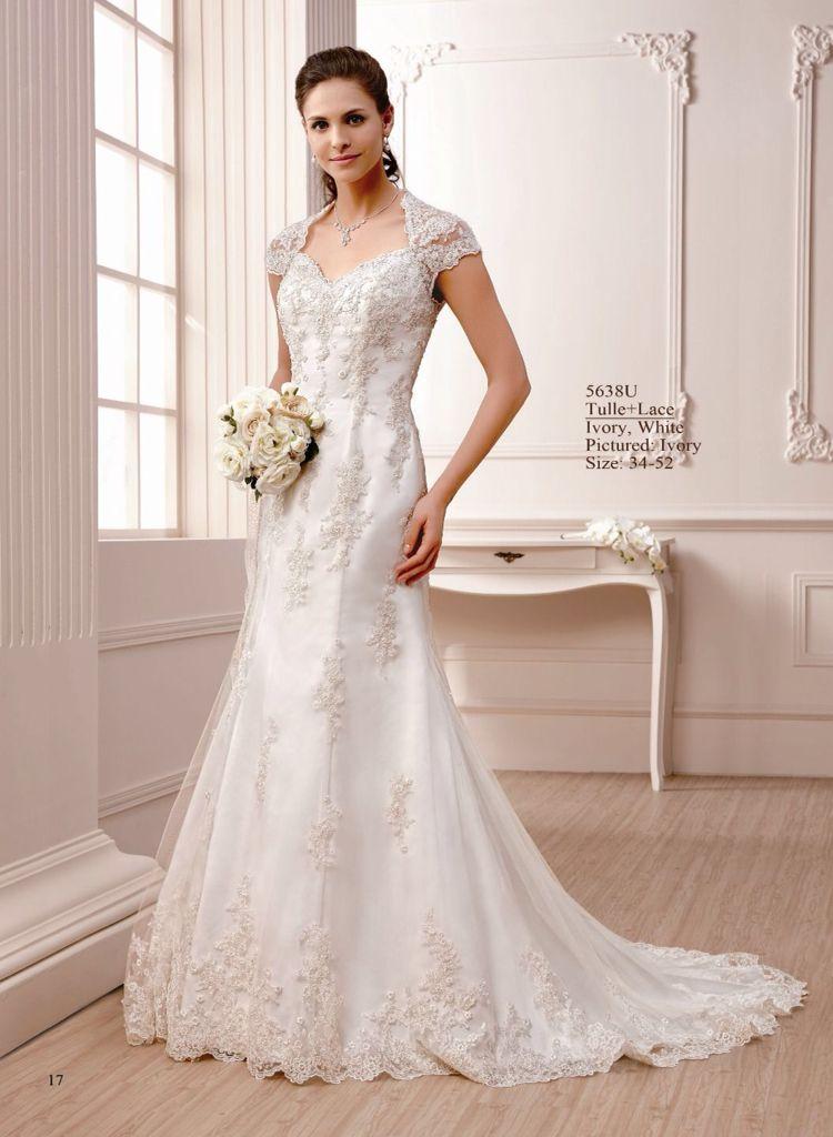 Brautkleider von Amelie finden Sie im Haus der Braut in