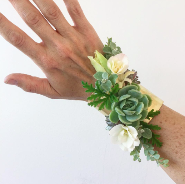 Pin By Passionflower Sue On Innovative Corsages Floral Floral Design Floral Design Classes