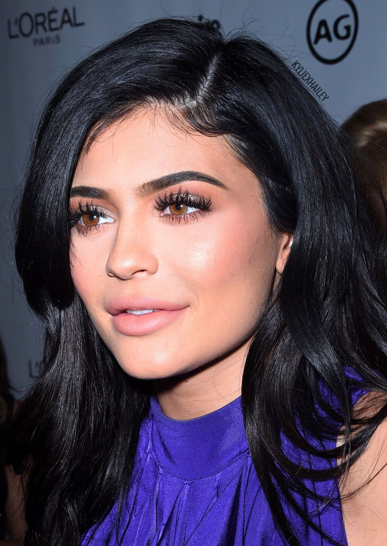 Kylie Jenner Red Carpet Makeup Look Kyliejenner Kylie Jenner Makeup Look Kylie Jenner Makeup Kylie Jenner Eyebrows