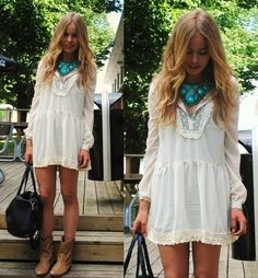 Vestido de crochê curto com mangas longas e botinha | Inspiração ...