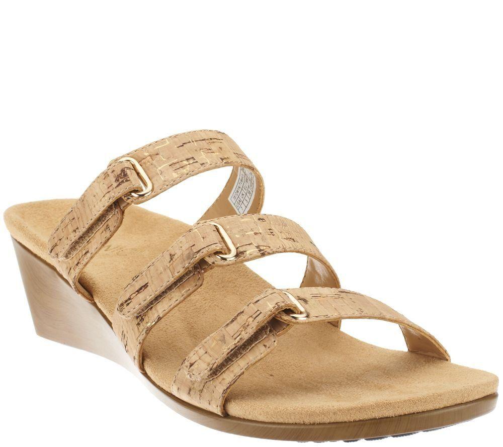9ce5059714bb4 Amazon.com: Vionic by Orthaheel Dwyn Gold Cork Slide Wedge: Clothing ...