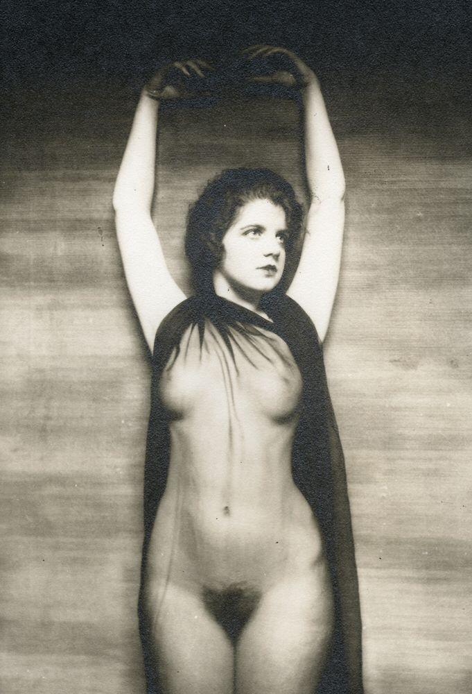 Vintage showgirls nude 9