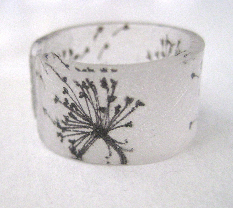 Custom Dandelion Ring. $5.00, via Etsy. Hand-drawn by my good friend @Nicole Novembrino Lee