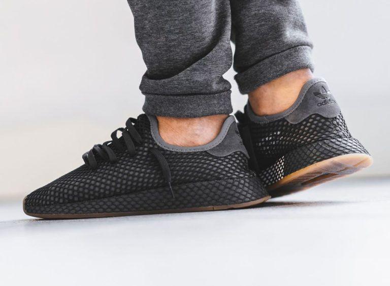 check out a38ba dca04 Chaussure Adidas Deerupt Runner gris foncé Grey Three Four on feet CQ2627  (3)