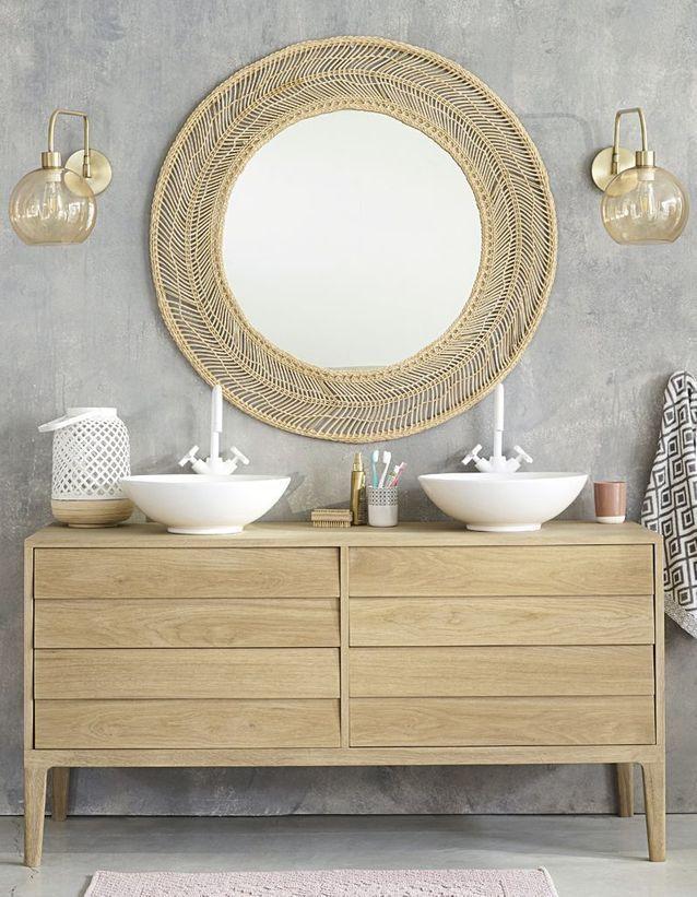 Maisons Du Monde Les Idees Qu On Pique A La Collection Printemps Ete 2019 Elle Decoration Miroir Rond Salle De Bains Meuble Double Vasque Salle De Bain Verte