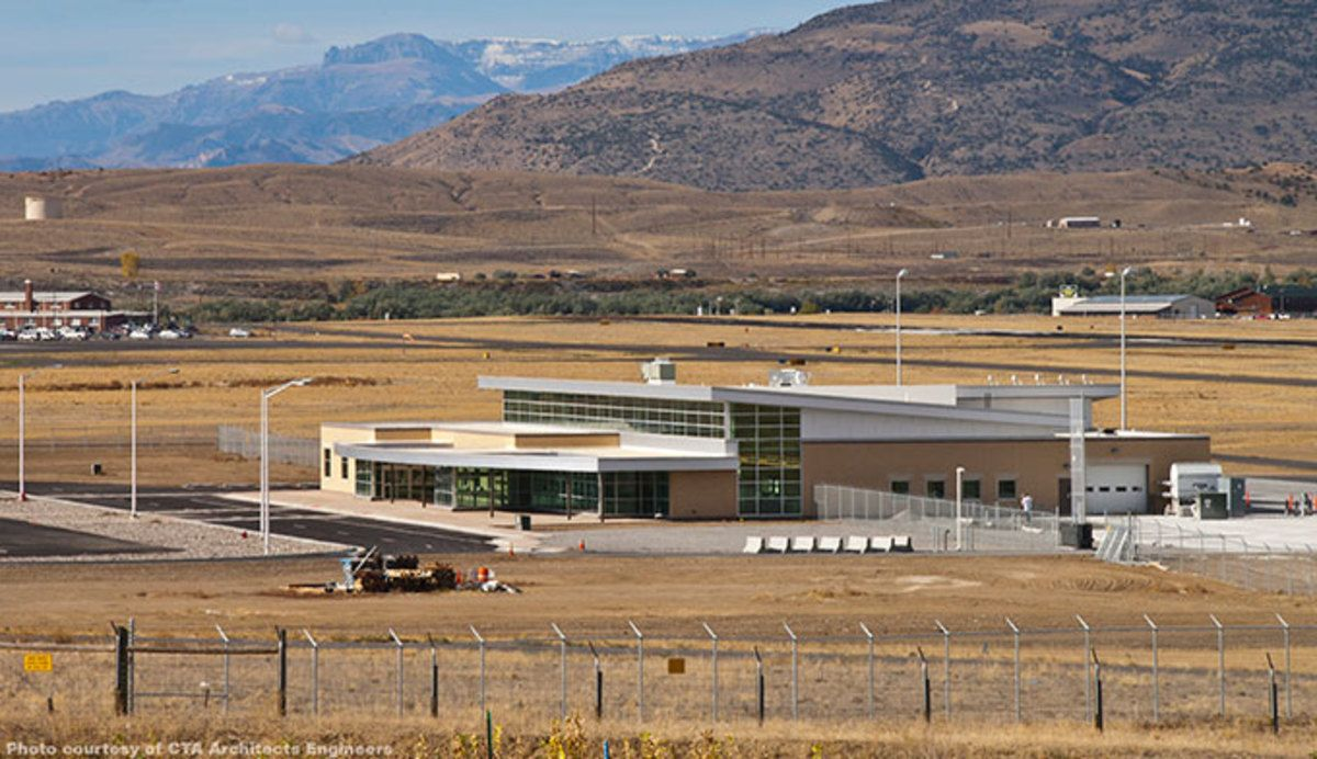 Yellowstone Regional Airport In Cody Wyoming Located An Hour