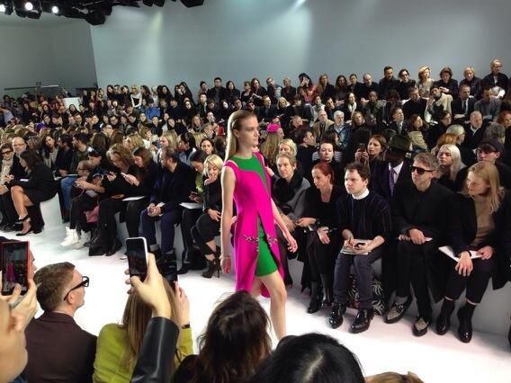 Grass green and shocking pink at #Dior #PFW