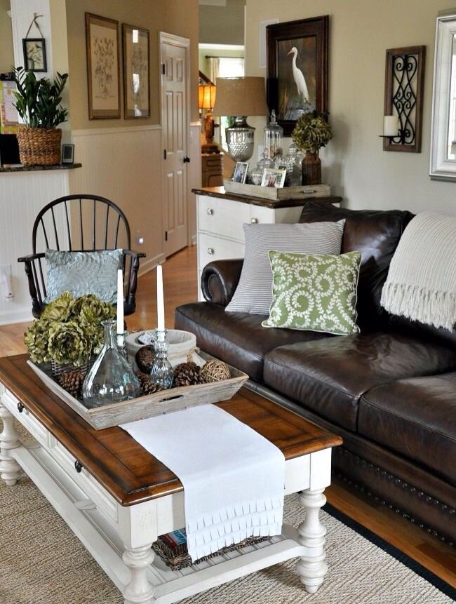 The Endearing Home family room via Savvy