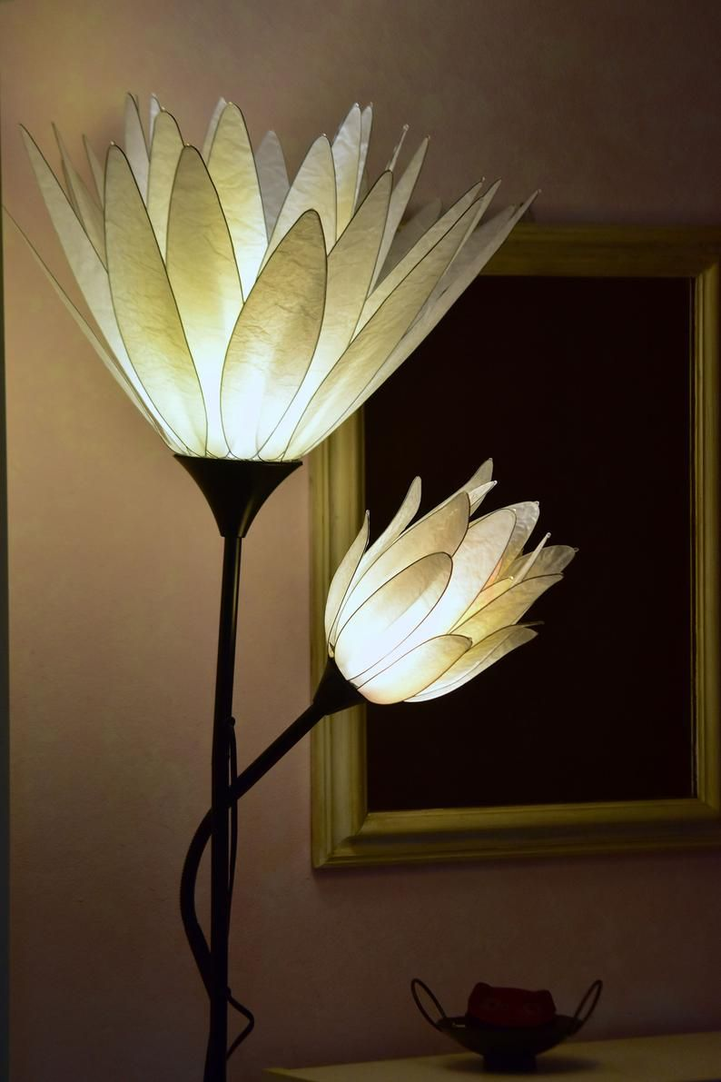 Floor Lamp 2 Flowers White Lotus Flower With Blossom Single Model Resin Paper Art In 2020 White Lotus Flower Lamp Diffused Light