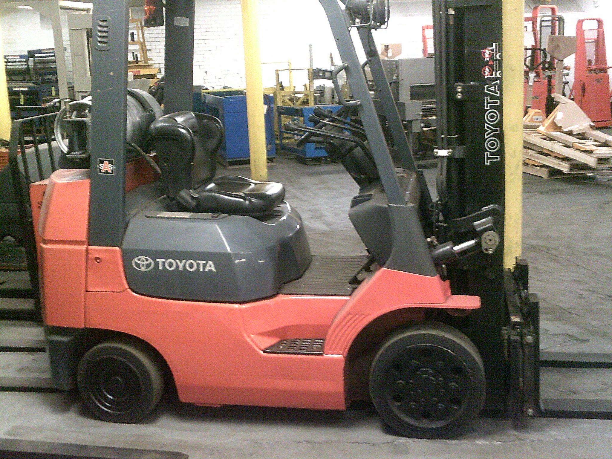 Used Toyota 7FGCU25 Propane Forklift