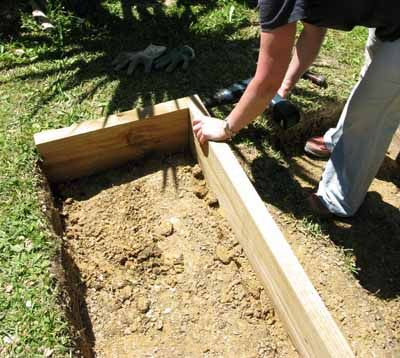 Diy Terrace Garden Bed Flaming Petal Blog Sloped Garden