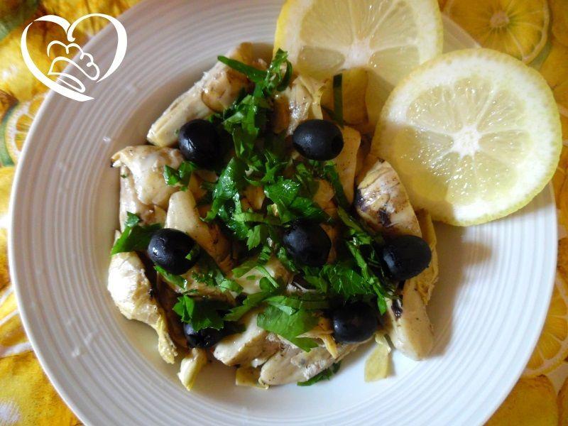 Carciofi grigliati con limone e olive http://www.cuocaperpassione.it/ricetta/9d2b1f4c-9f72-6375-b10c-ff0000780917/Carciofi_grigliati_con_limone_e_olive