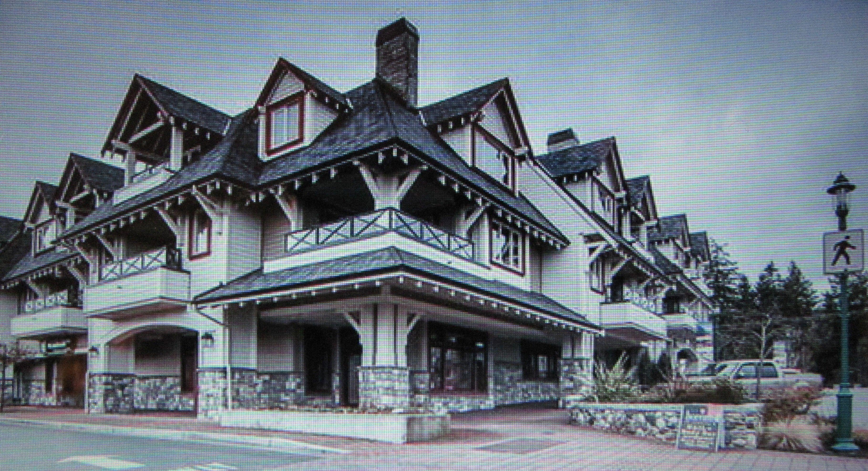 Villa Rose condo in downtown Qualicum Beach