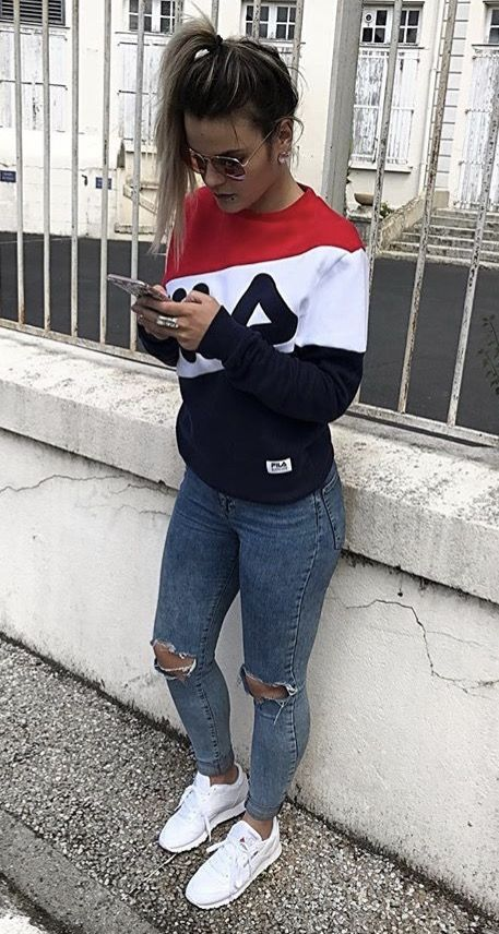 Outfit Fila sweater en skinny jeans | Teenager outfits, Fila