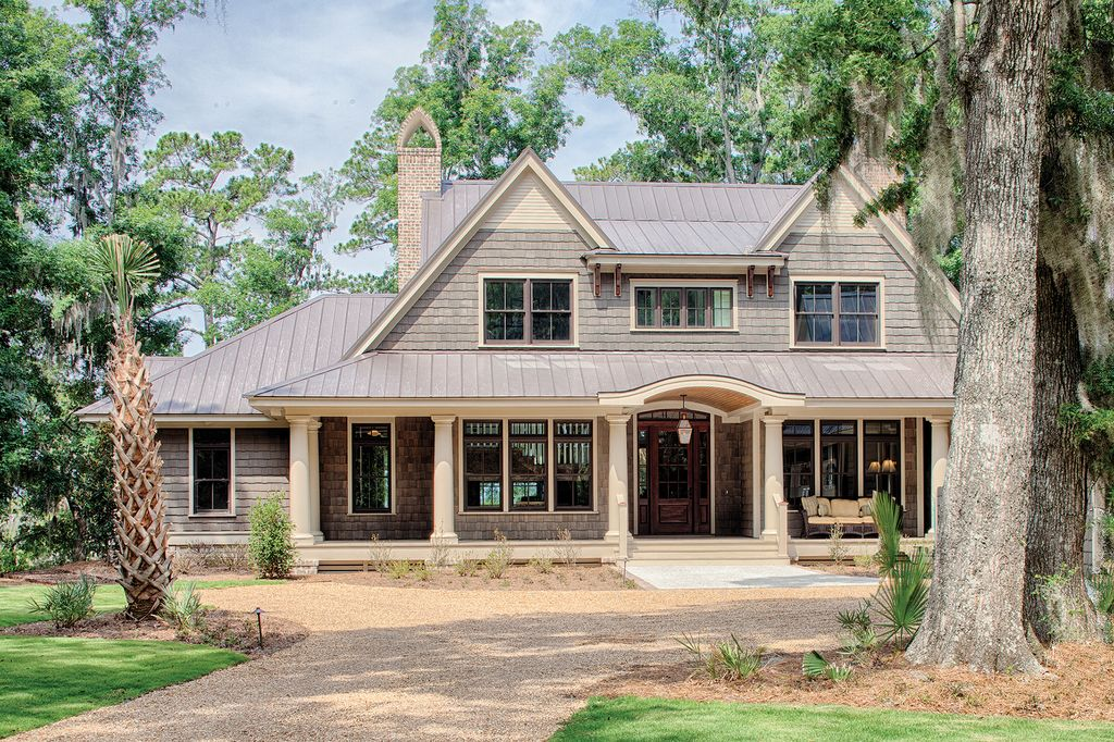 Country Style House Plan 4 Beds 4 5 Baths 5274 Sq Ft Plan 928 12 Shingle House Plans Farmhouse Style House Plans Country Style House Plans