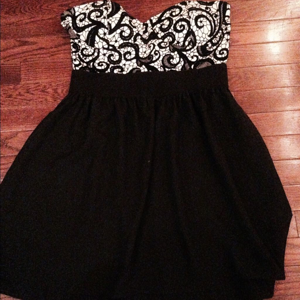 Short black strapless dress products