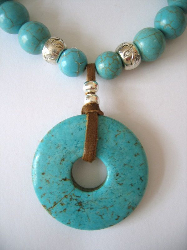 TURQUOISE DONUT PENDANT ON TURQUOISE BEAD NECKLACE