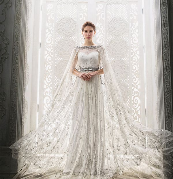 20 Statement Making Wedding Gowns With Capes