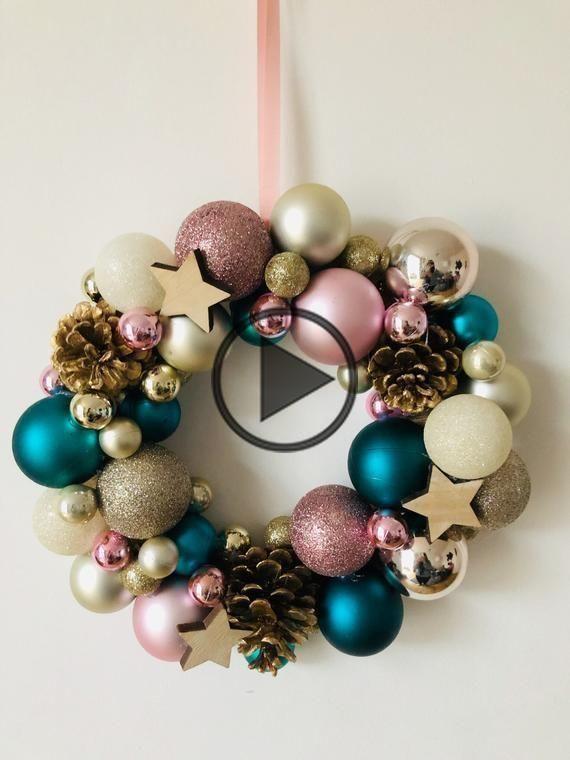 Handmade Christmas bauble wreath with pine cones and stars #baublewreath Handmade Christmas bauble