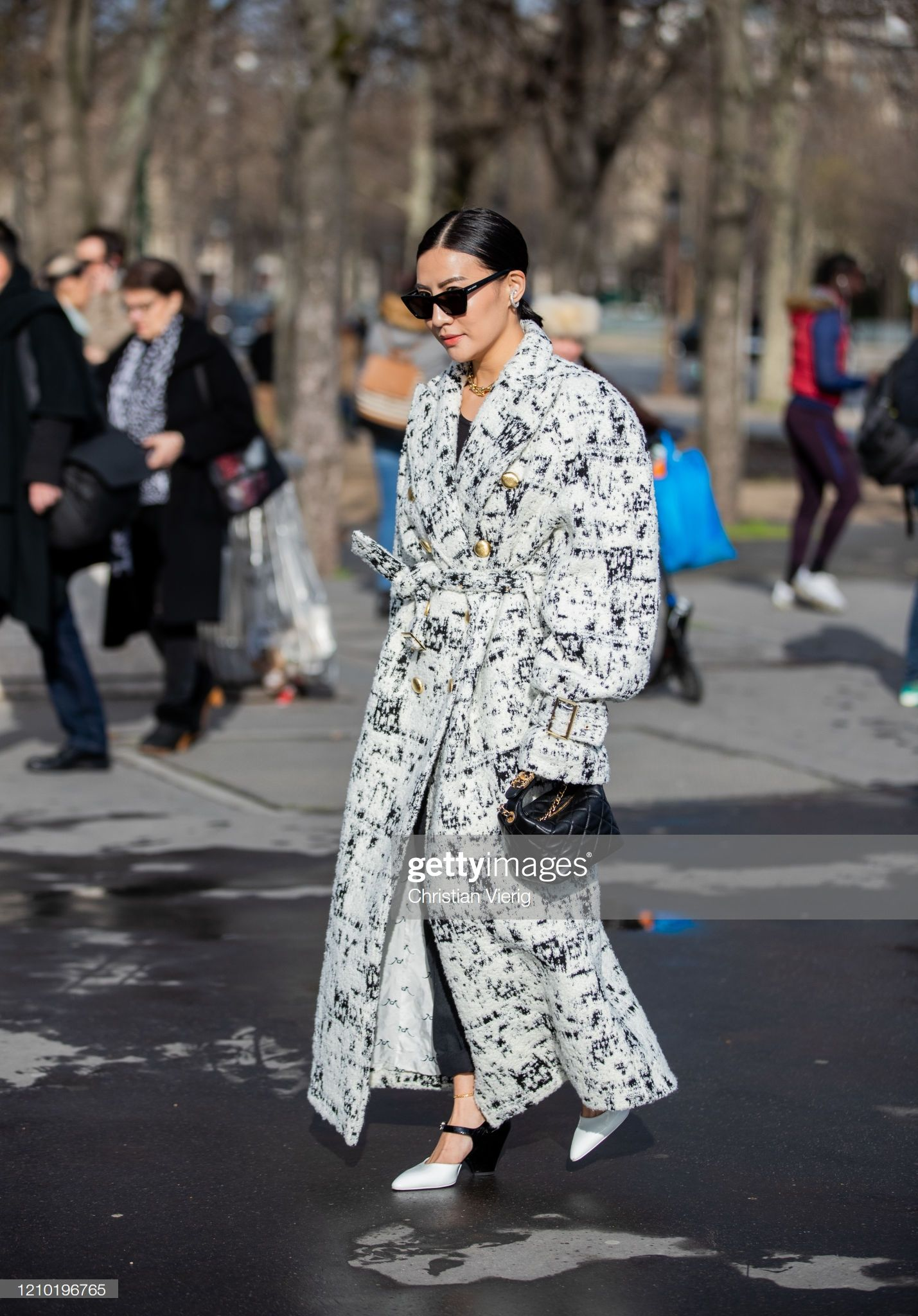 A Guest Is Seen Wearing Coat With Print Outside Chanel During Paris In 2020 Paris Fashion Week Street Style Paris Fashion Week How To Wear