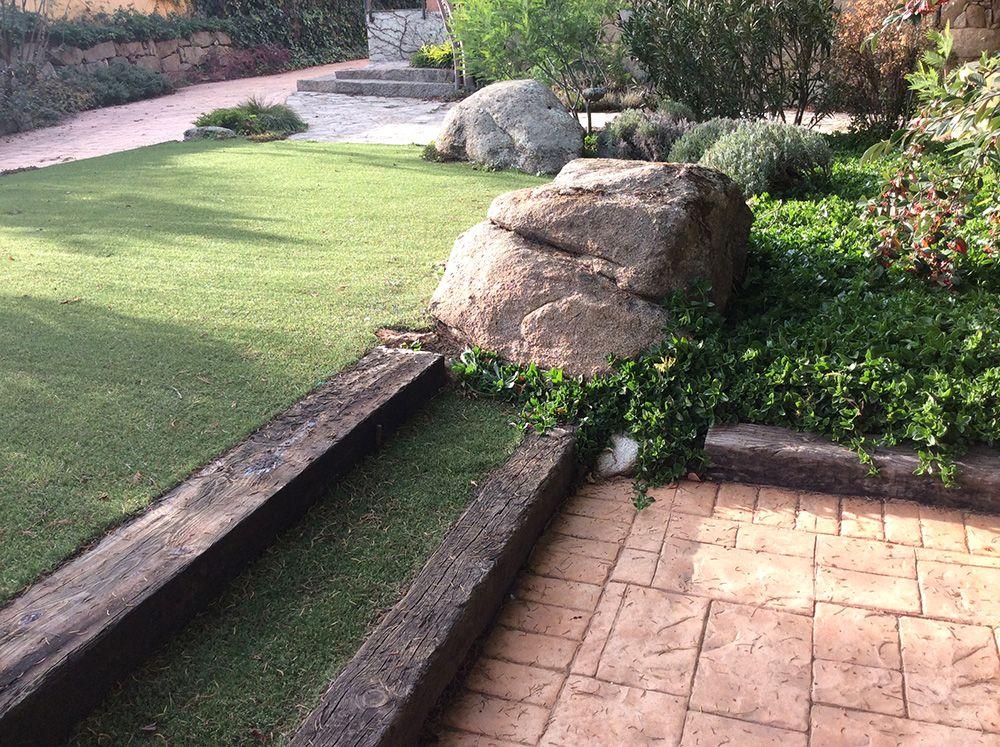 Comprar mantillo natural venta de mantillo natural y tierras vegetales madrid y con - Venta de piedras para jardin ...