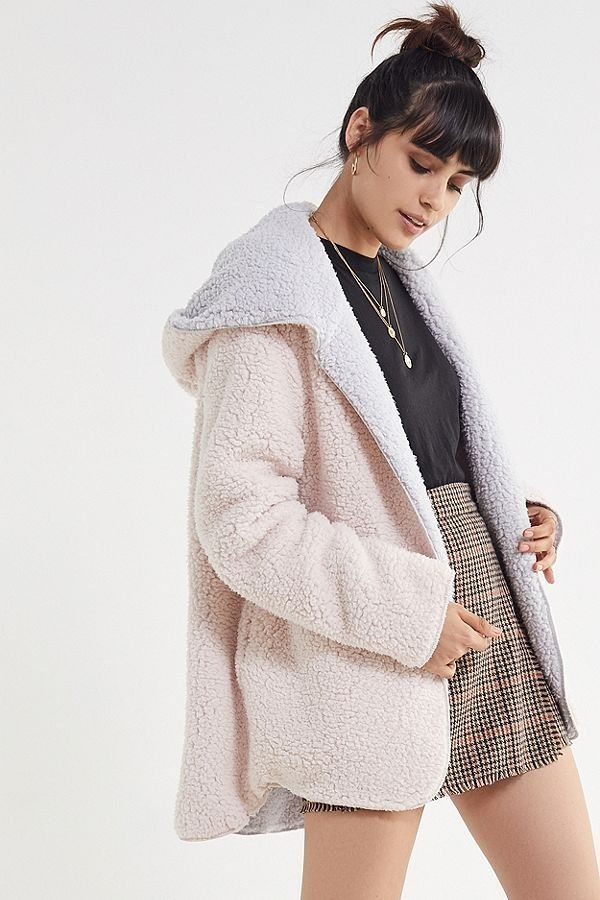 82f85e395c4 UO Carmella Cozy Reversible Teddy Coat