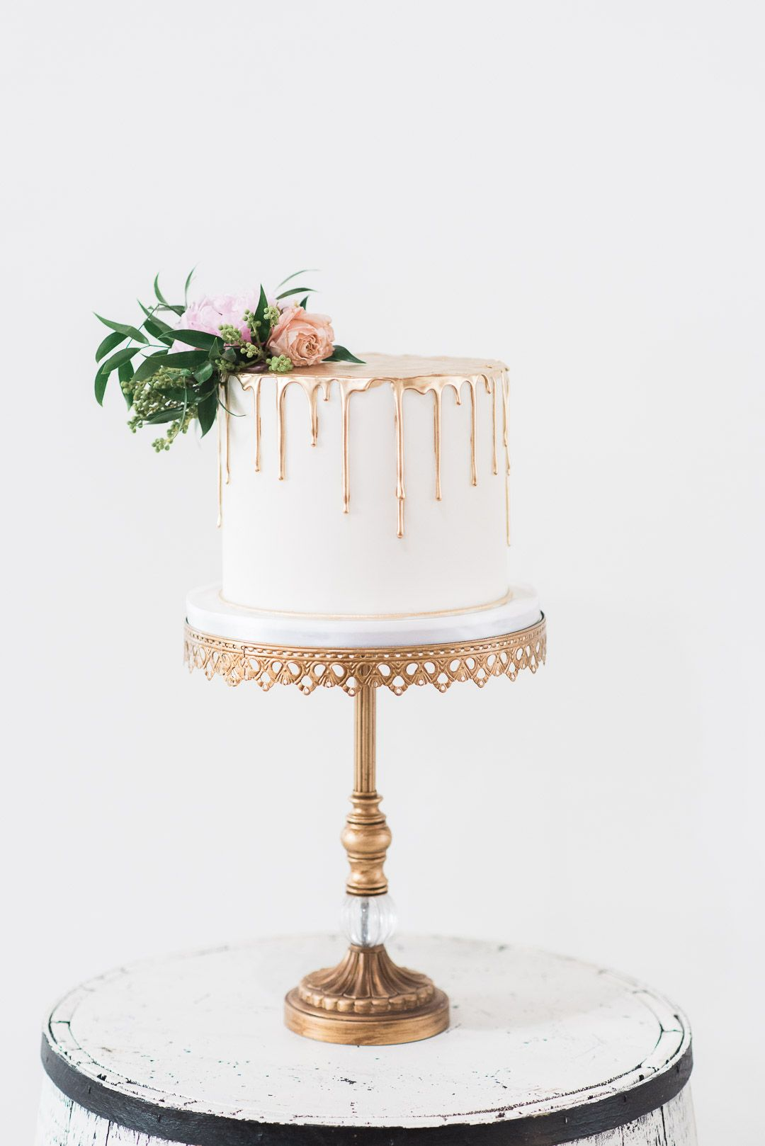 Gold Drip wedding cake inspiration!! Antique Gold cake stand with ...