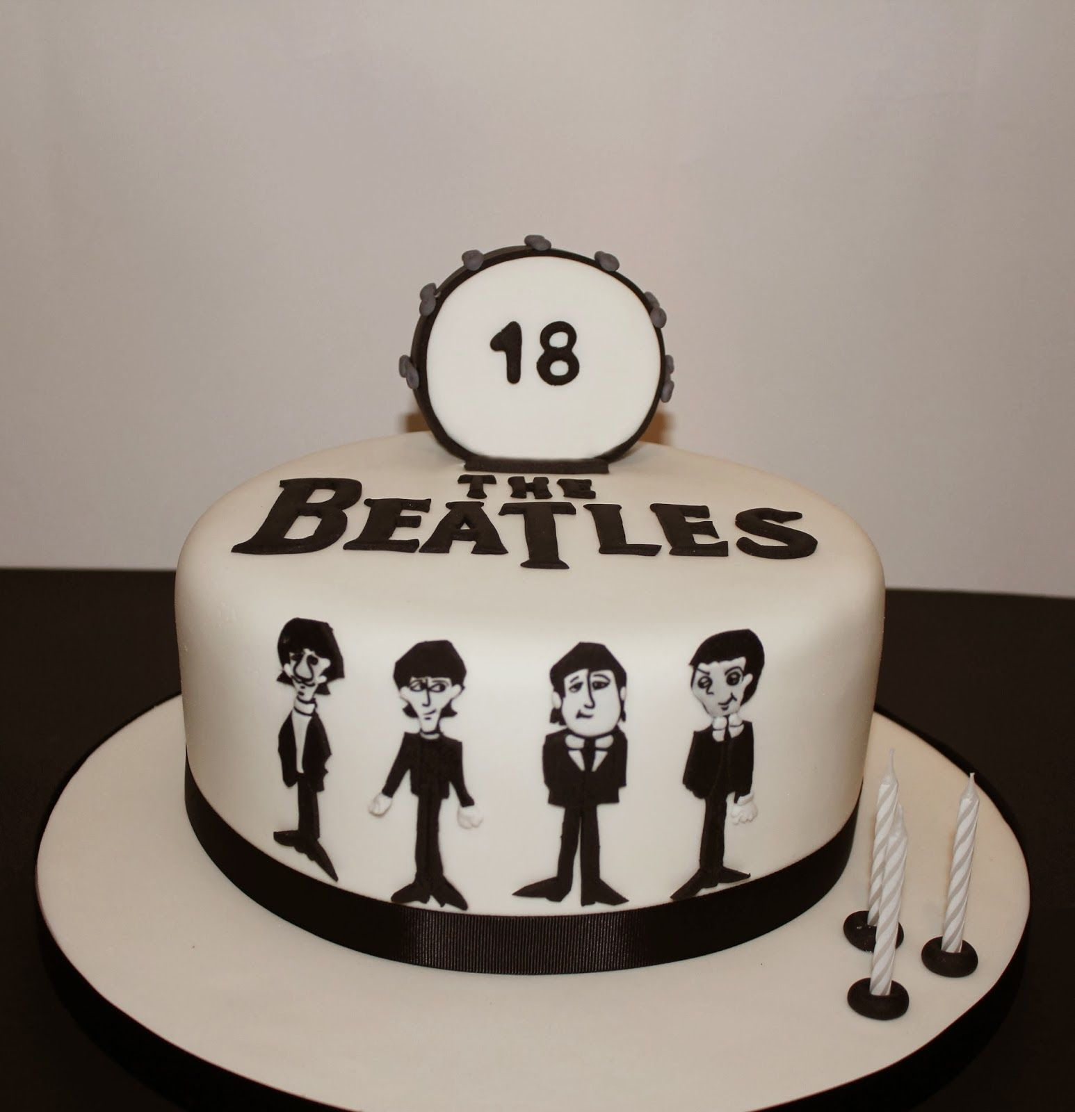 Gmail themes beatles - Simply Cakes The Beatles