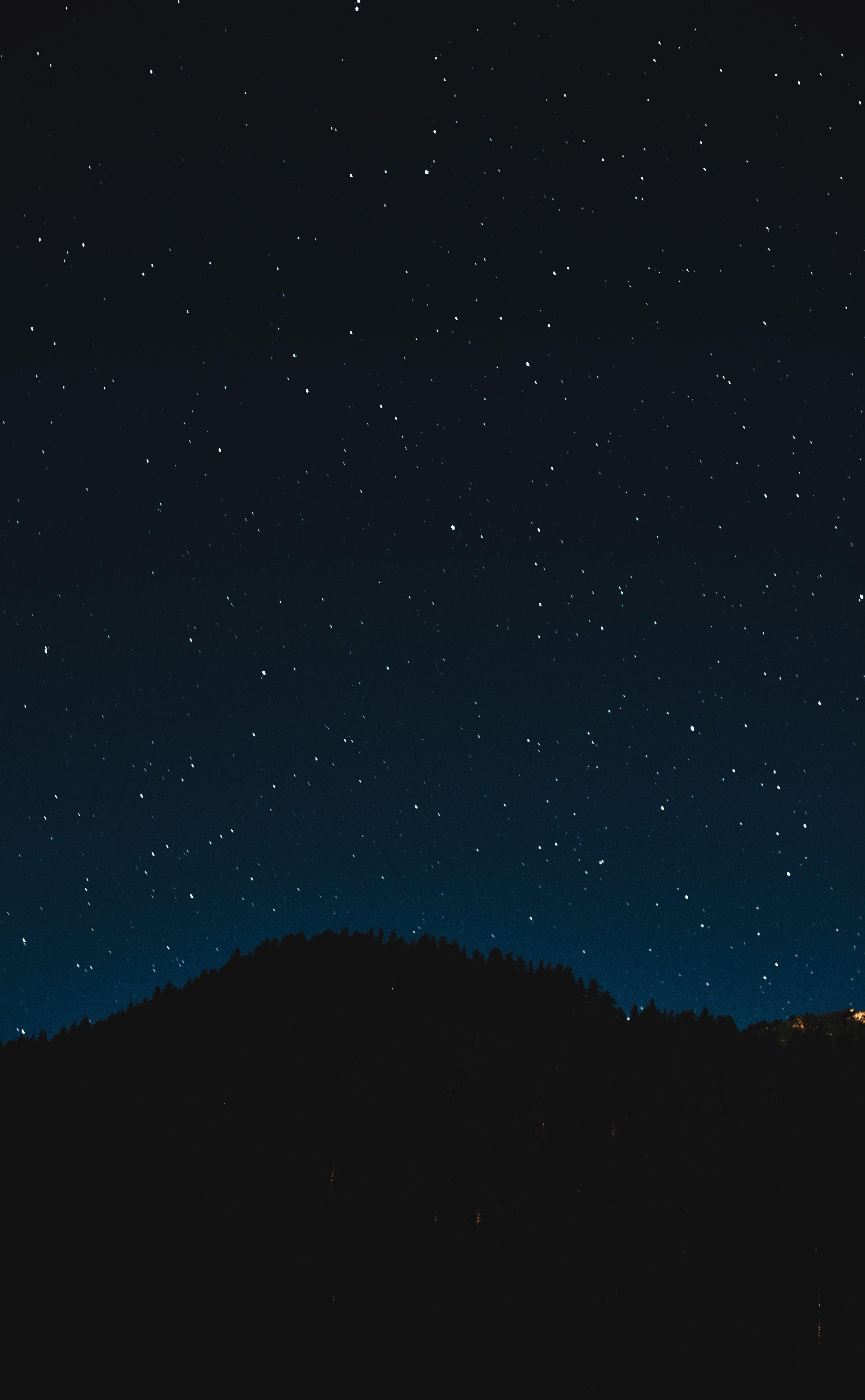 Pin By Vanja Stokic On Lockscreen Night Sky Photos Night Sky Wallpaper Sky Pictures